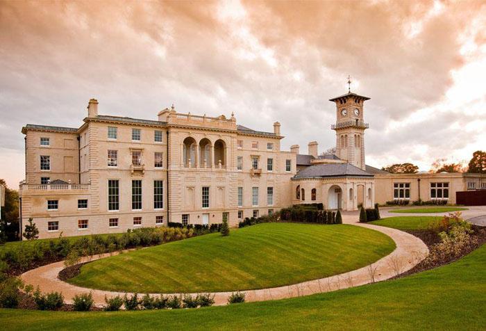 Квартира в Лондоне — в загородном дворце  £ 850000