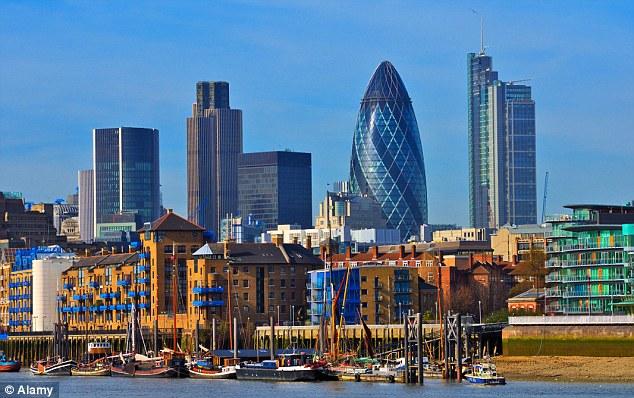 Недвижимости в Англии становится больше,  но и спрос продолжает расти