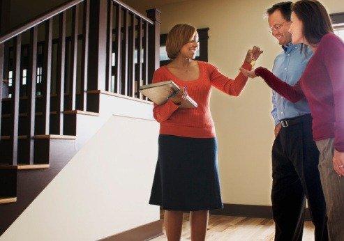 Покупатели недвижимости в Великобритании  слишком быстро принимают решения