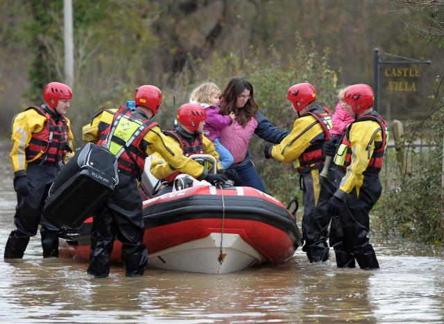 Наводнение в Великобритании — почему англичане не грустят?