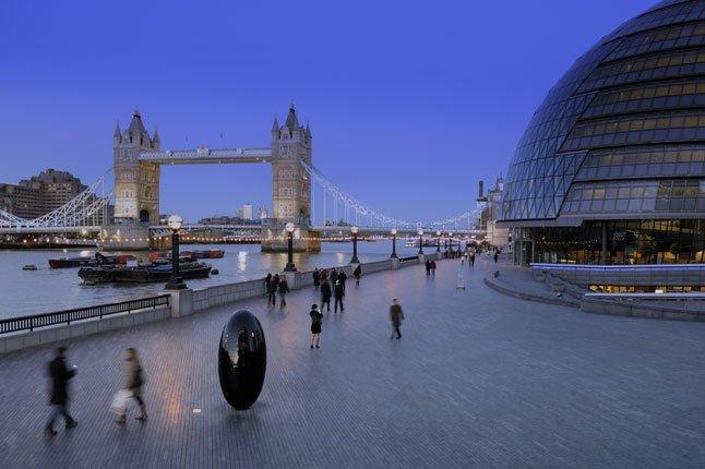 Мэр Лондона привлекает инвесторов для обеспечения города доступным жильем