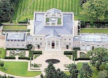 Дом-крепость Петра Авена в Англии