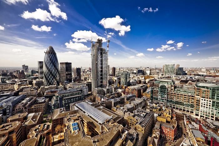 Цены на недвижимость в Англии и Уэльсе продолжают свой рост