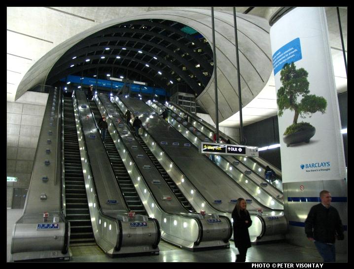 Близость к метро прибавляет  £42000 к цене недвижимости Лондона