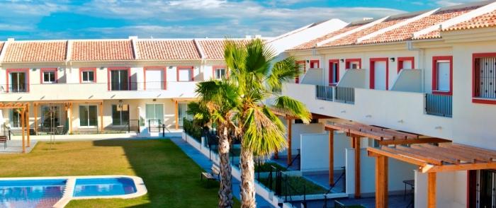 Испания. Современные двухэтажные бунгало в новом жилом комплексе  — от €140000