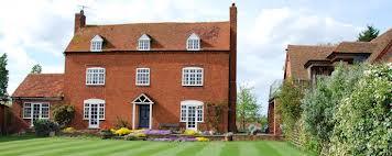 Купить себе дом в Великобритании молодой семье становится все сложнее