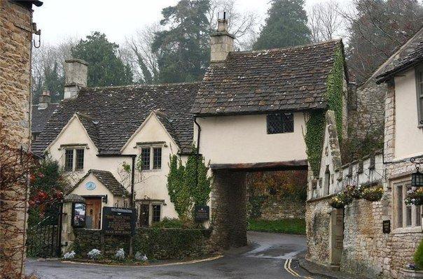 Самая красивая деревня Великобритании находится в графстве  Wiltshire