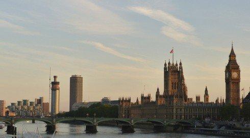 В 2015 году темпы роста цен на недвижимость в Великобритании замедлятся