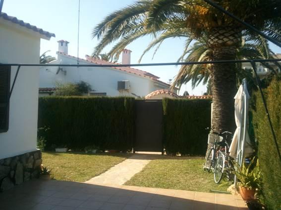 Дом в  городке  Кальпе пл.170 кв. м. — €340000