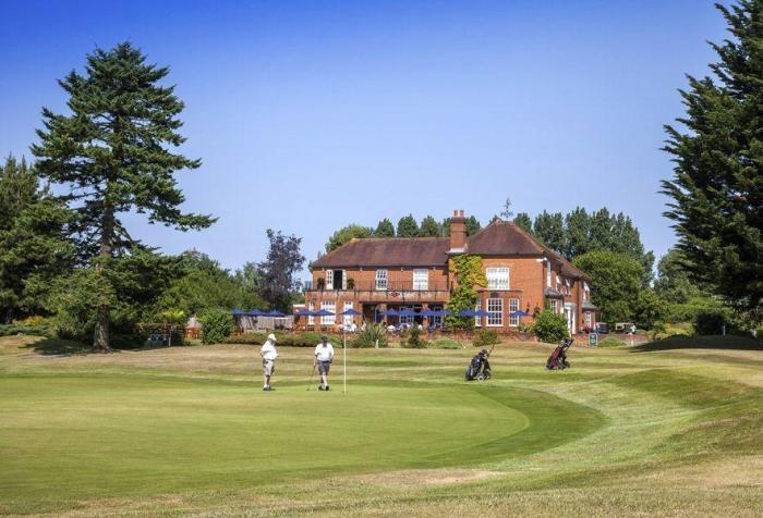 Дом в Англии на 4 спальни в г.Wokingham —  £ 450000