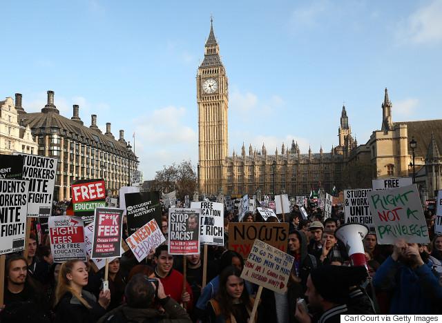£2,8 миллиарда фунтов  оставляют иностранные студенты в Лондоне ежегодно