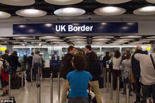 Обязанность контролировать миграционный статус арендатора возложили на домовладельца