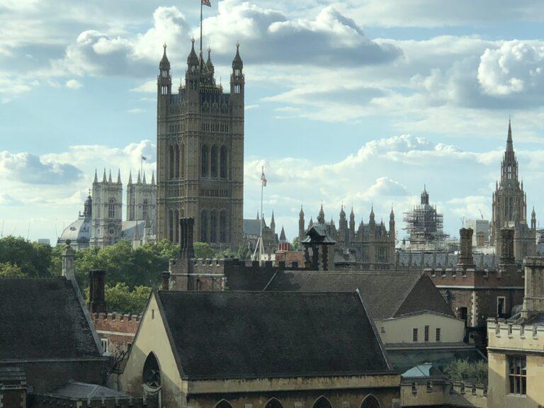 Арендная плата в Лондоне падает, а за пределами Лондона растет