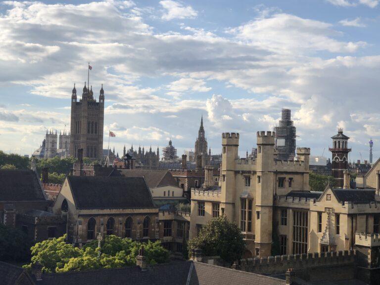 Как искусственный интеллект влияет на рынок недвижимости Великобритании